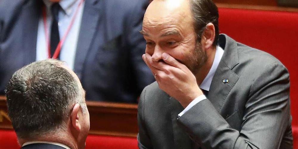 Edouard Philippe se marre à l'Assemblée et a recours au 49-3 pour faire passer le projet de loi sur la réforme des retraites