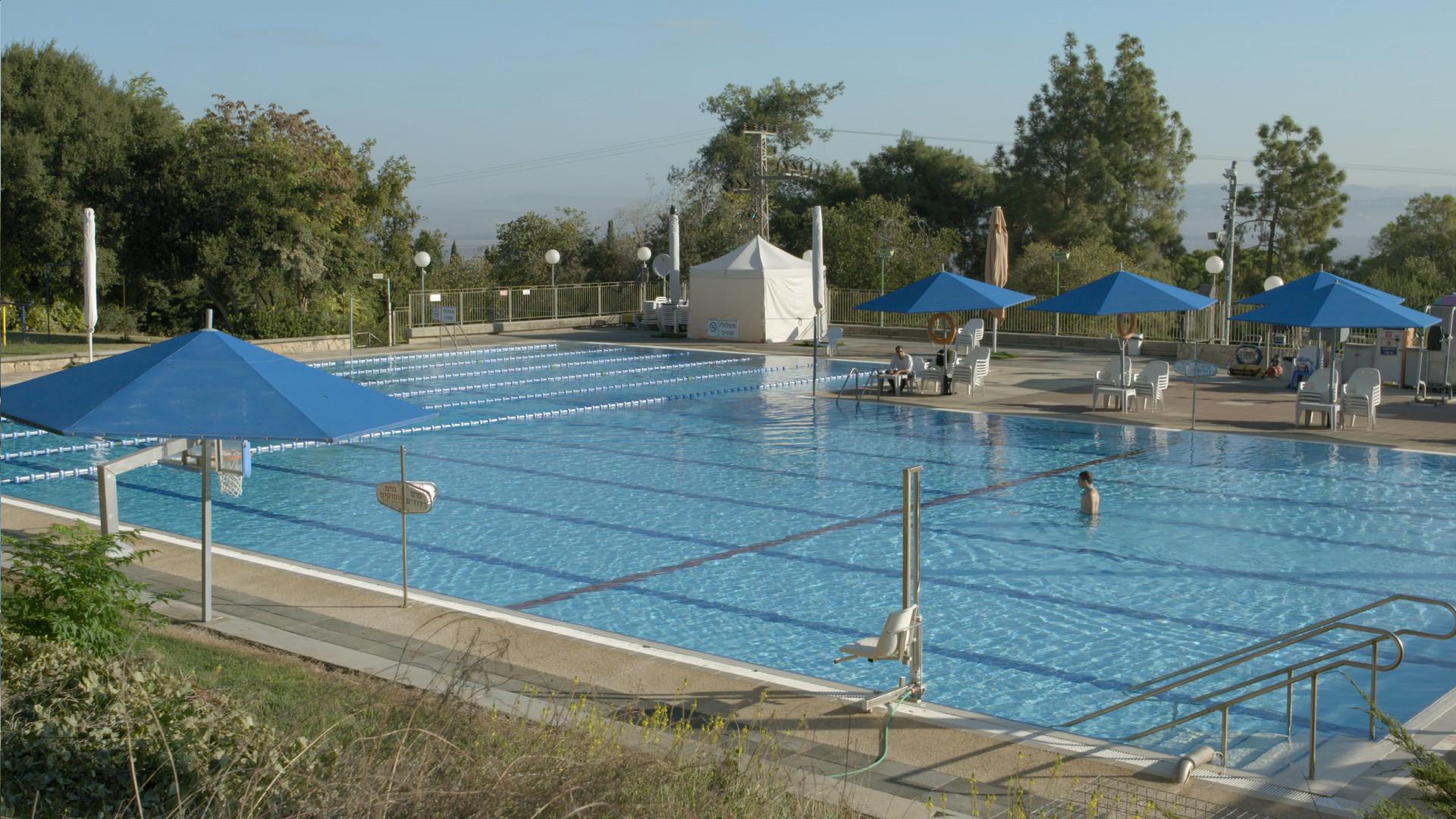 Pool - Frame 3.jpg