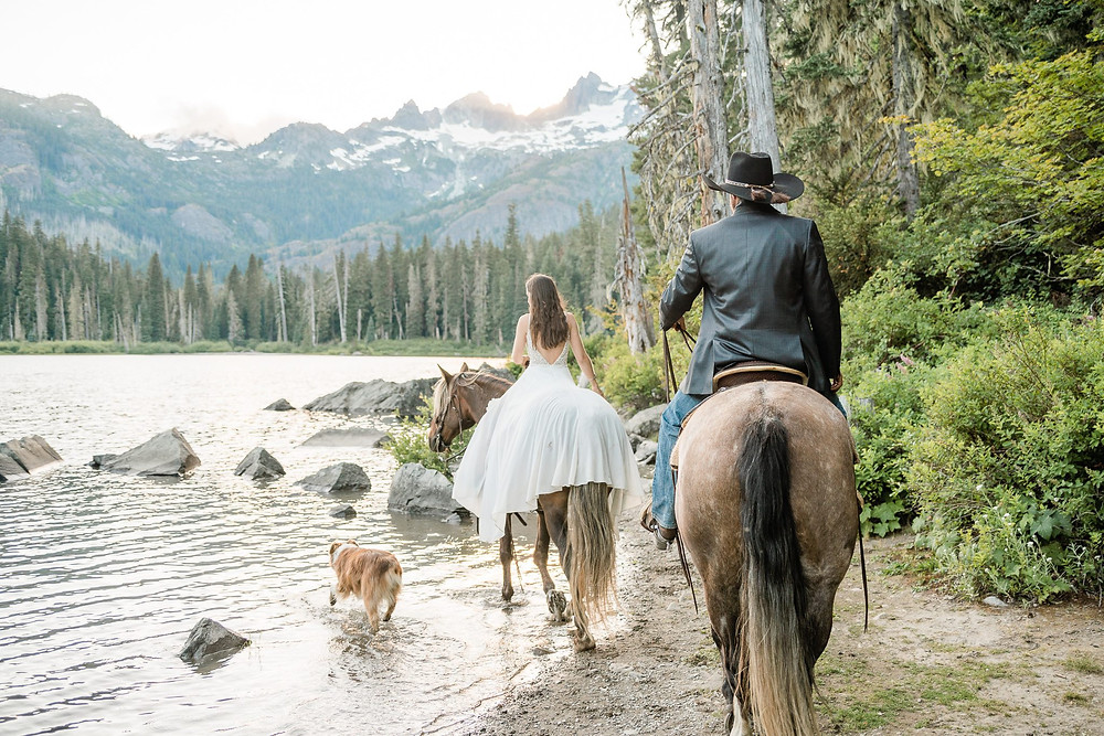 Equestrian adventure wedding with your dog in the alpine lakes of Washington