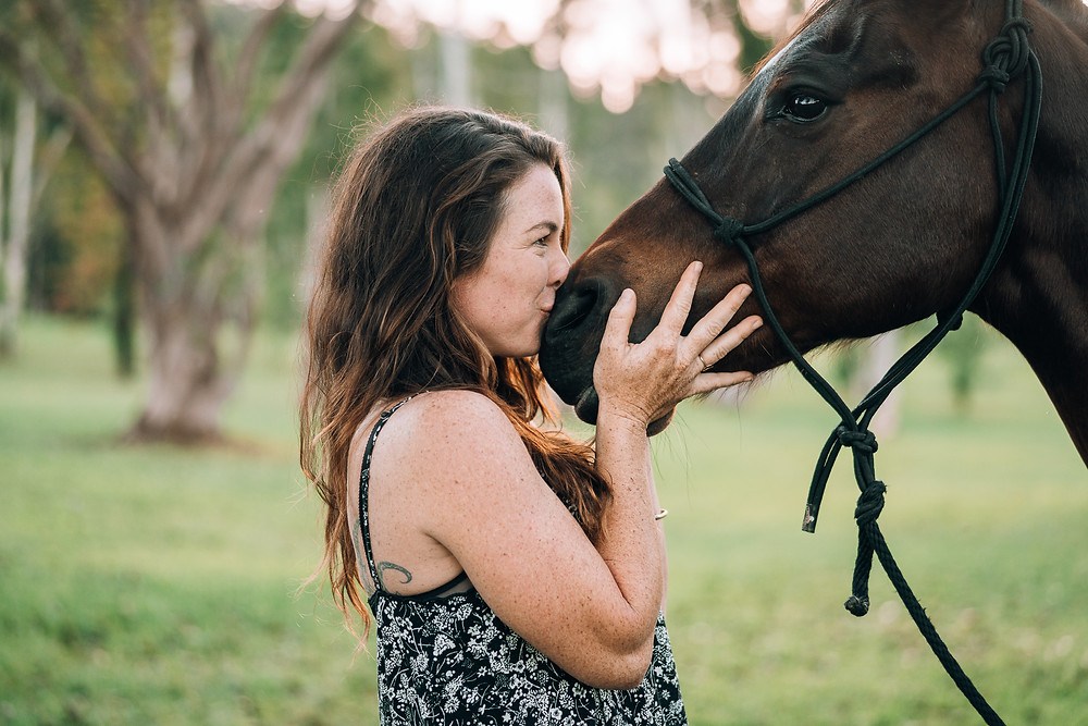 Francesca kissing Avi