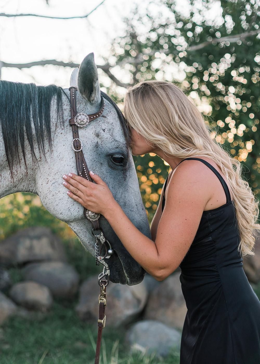 Brielle kissing Smokey