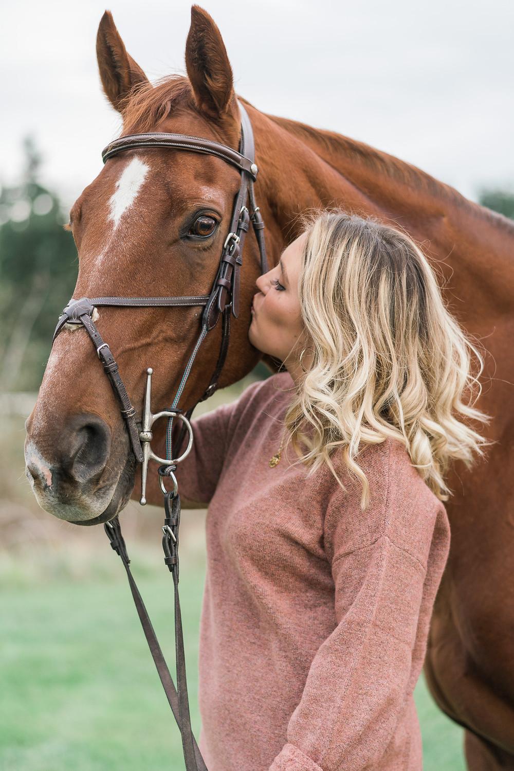 Lucy kissing Kenai