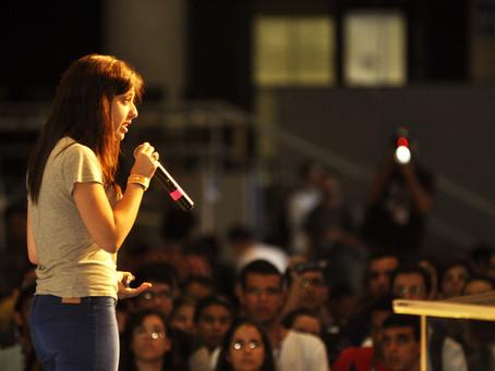 """Palestrante motivacional é o novo """"empreendedor de palco""""?"""