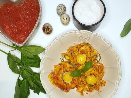 Rubans citron et graine de chia à la sauce tomate et ricotta.