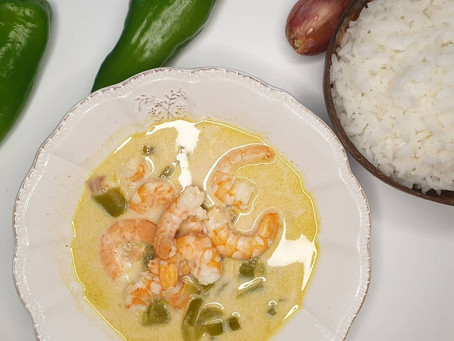 Bouillon Thai aux crevettes et riz Thai.