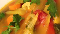 מרק תימני טבעוני עם כורכום