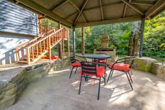Camphouse at Livingston Creek