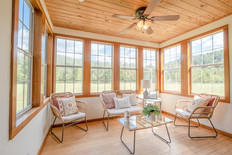 The Sunroom- Meadow Cabin