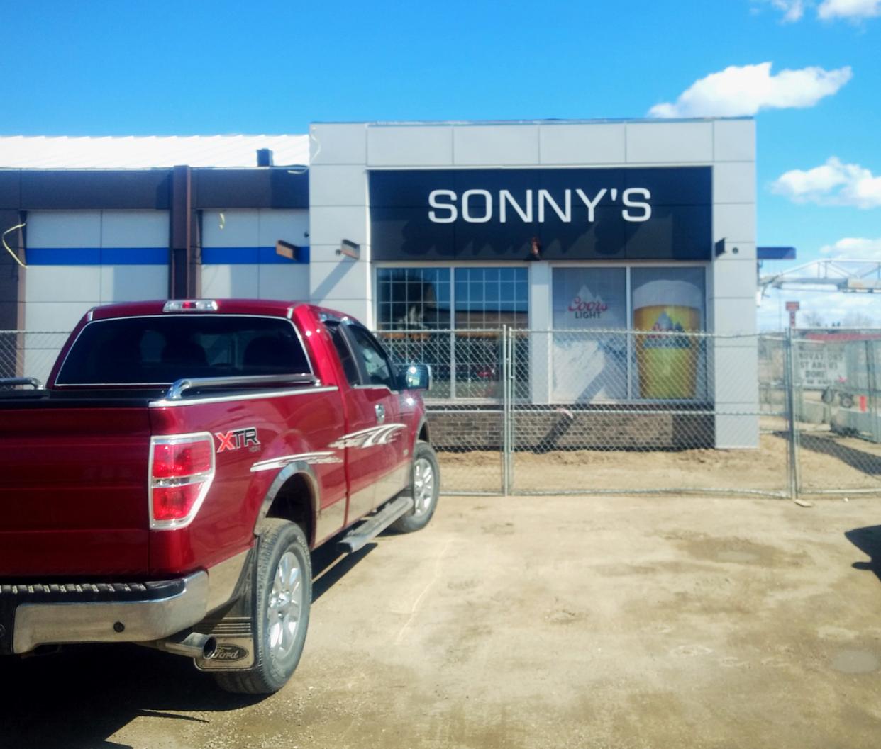 SonnysLiquor_Alberta_Signs