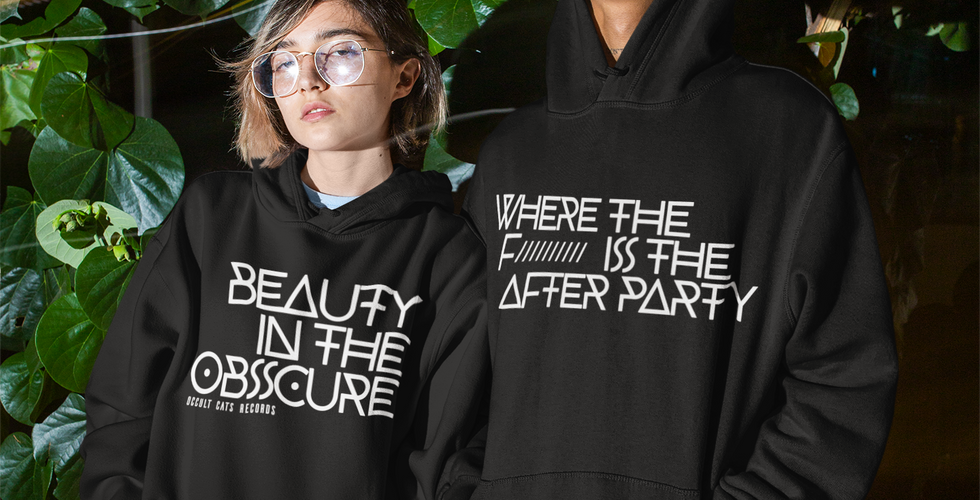 hoodie-mockup-of-a-man-and-a-woman-looki