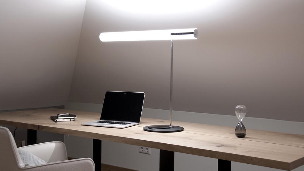 Schreibtischleuchte im Homeoffice