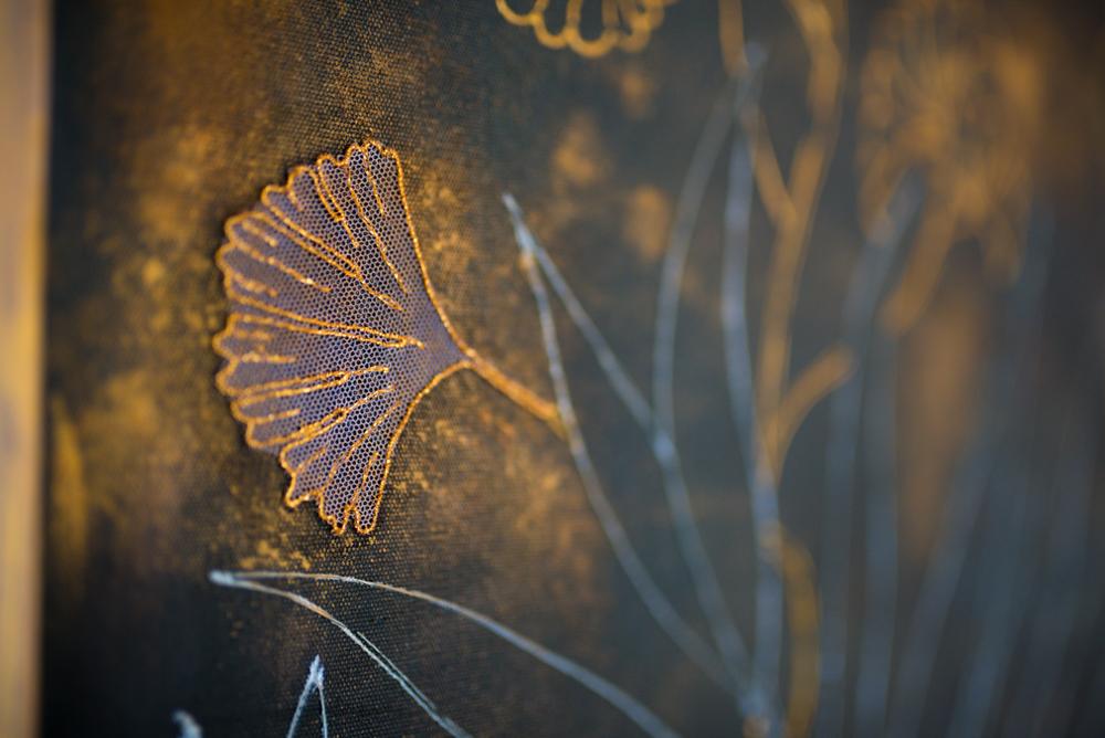applyed gingko leaf