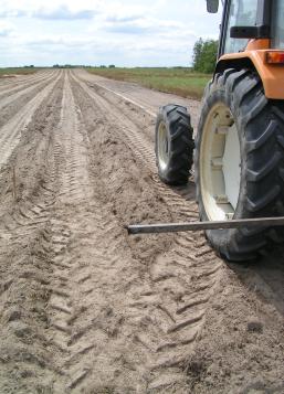 Travail du sol en vue d'une future plantation.