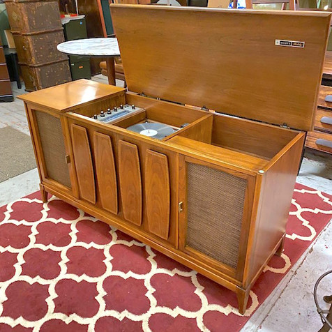 MCM Stereo Cabinet