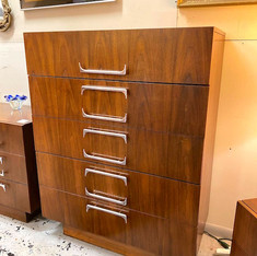 Awesome Chrome Pull Chest of Drawers