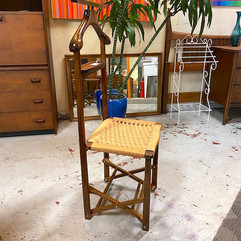 Collapsible Butler Chair