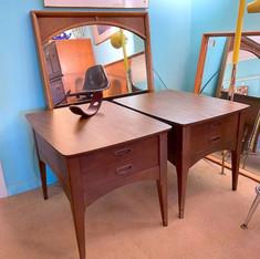 (2) Basic Retro Side Table