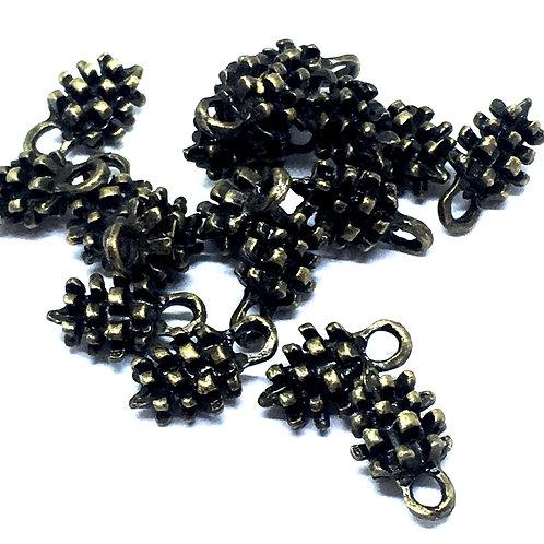 10 Pieces. 3D Pinecone Bead Charms Pendant. Antique Bronze