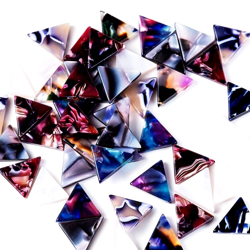 These little mini mottle triangles are in 12mm and make the most gorgeous statement studs