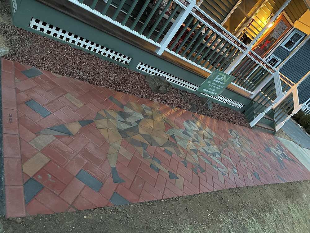 paver design, inlay, custom pavers, horse mosaic, custom paver design