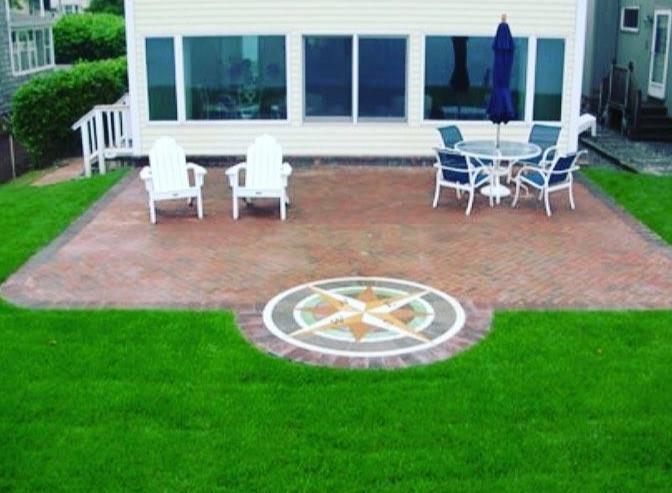 PAVERART, compass rose, compass rose paver kit, patio, inlay, patio inlay, outdoor living, landscape design, landscape architecture, medallion