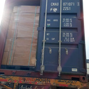 20 feet container loading.jpg