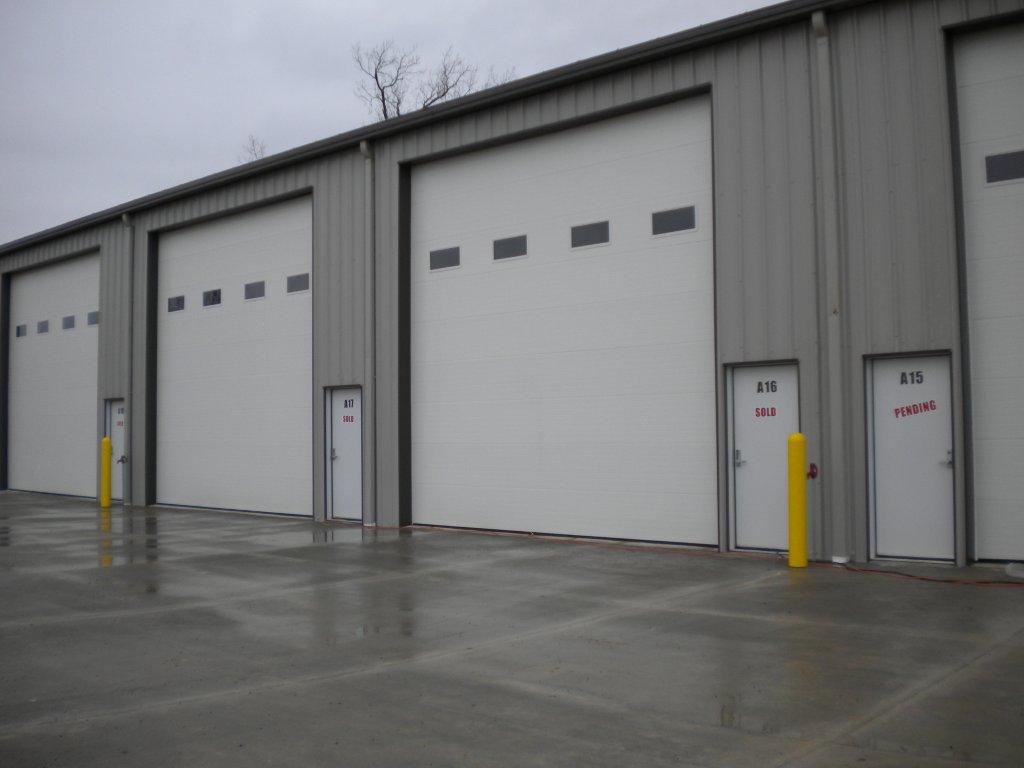 OVERSIZED GARAGES INCLUDED