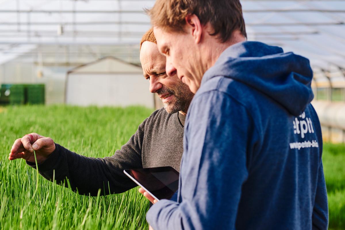 Etepetete Werbung Werbefotograf Kampagne Bauer Bio Obst Gemuese Nachhaltig Bayern Portrait Fotografie Foto Fotograf Auftragsfotograf Philipp Löffler Loeffler - Muenchen Deutschland