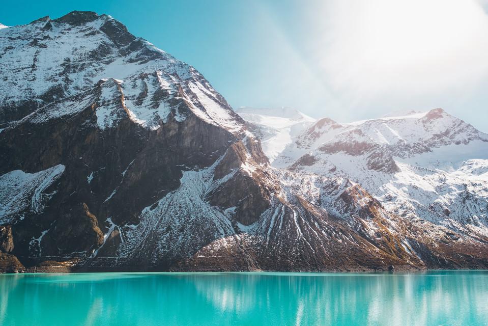 Stausee Berge Österreich Wasser Farben Schnee Spiegelung Fotografie Foto Fotograf Auftragsfotograf Philipp Löffler Loeffler - München