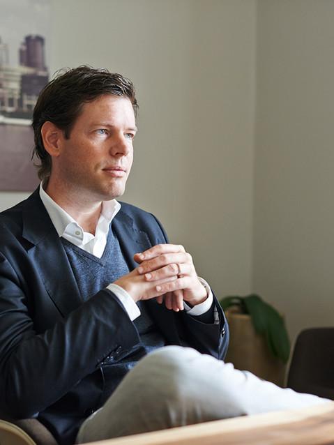 DANIEL KLUßMANN / LAWYER