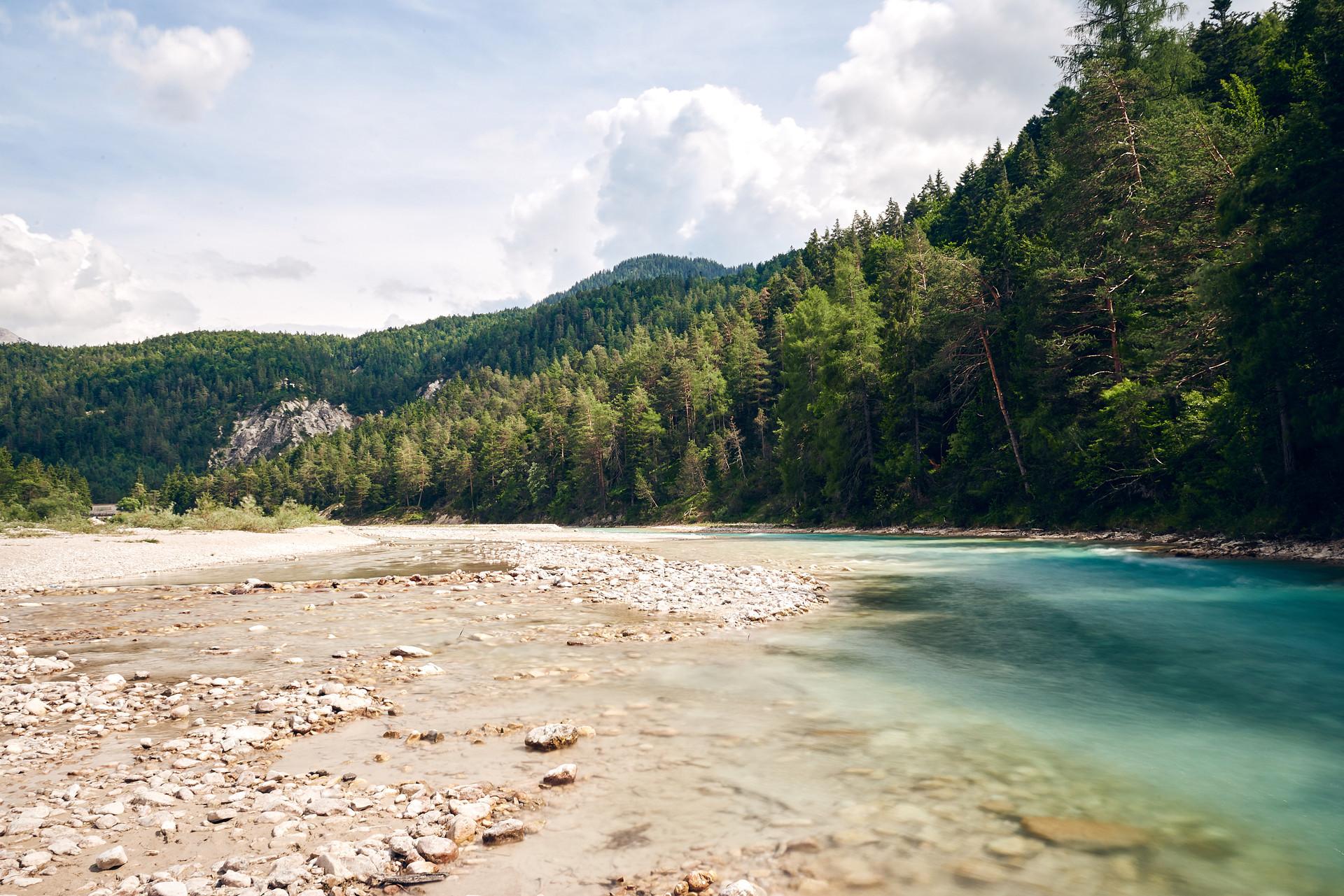 Isarbier Bier Werbung Werbefotograf Kampagne Fluss Isar Wasser Natur Bayern Landschaft Wandern Freiheit Fotografie Foto Fotograf Auftragsfotograf Philipp Löffler Loeffler - Muenchen Deutschland