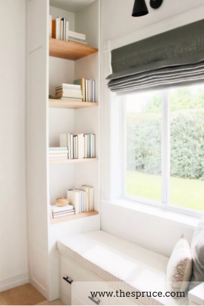 reading nook built-in shelf