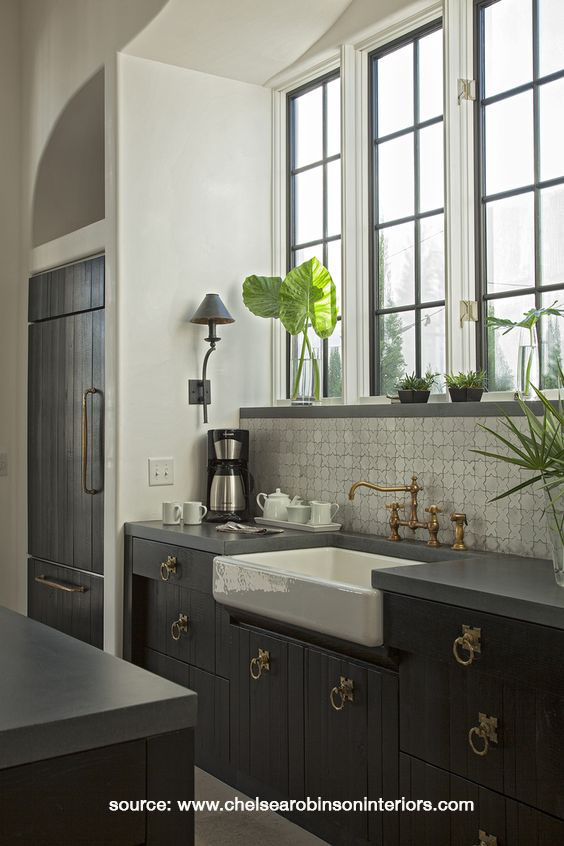 Moroccan-themed Kitchen Sink