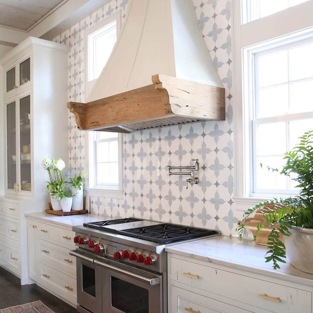 gray-white-tile-backsplash-kitchen-design-trend
