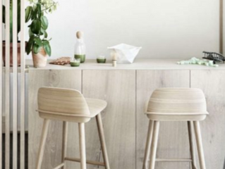 10 Stylish but Comfortable Bar Stools to Accent your Kitchen Island