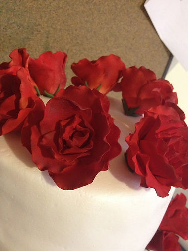 gumpaste red roses cakes custom sugar designs cupcakes edible