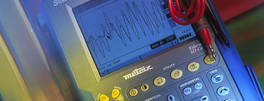 Netzqualitätsmessgeräte und -analysatoren