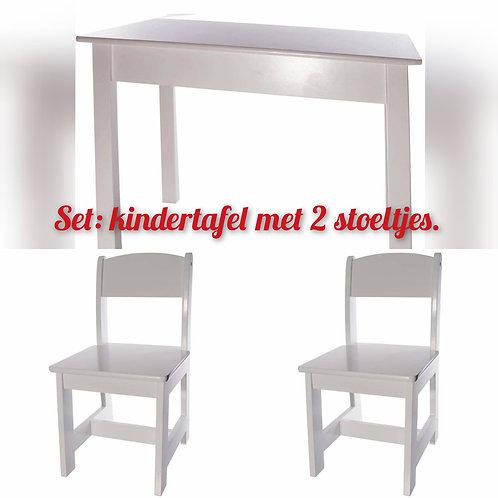 XL: Gepersonaliseerde kindertafel & 2 stoeltjes