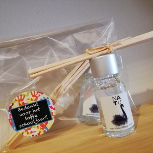 Mini parfumflesje lavendel en geurstokjes - 10 ml