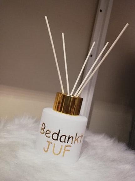 Parfumfles MINI (Afgewerkt) Wit met Gouden dop.