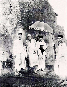 baba original photo.jpgShirdi Sai Baba on the way to Lendibaug