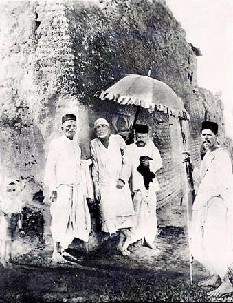 baba original photo.jpgShirdi Sai Baba on the way to Lendibaug