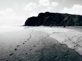 Karekare Beach, NZ / stills