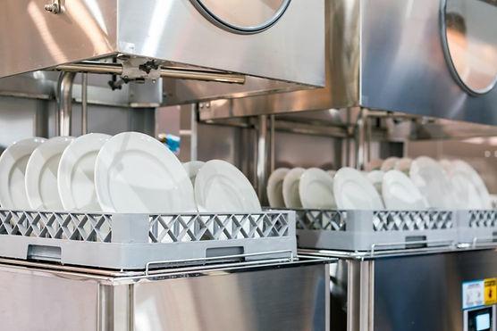 commercial-dishwasher-restaurant-1024x68