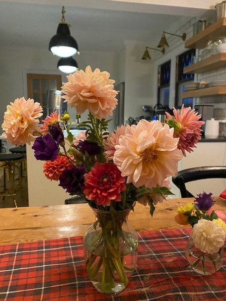 Dahlia's and lisianthus