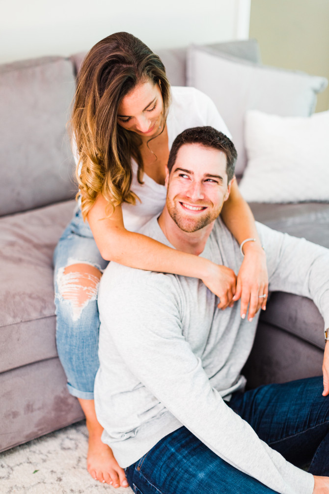 Lexie & Sean | Cozy In-Home Lifestyle Engagement