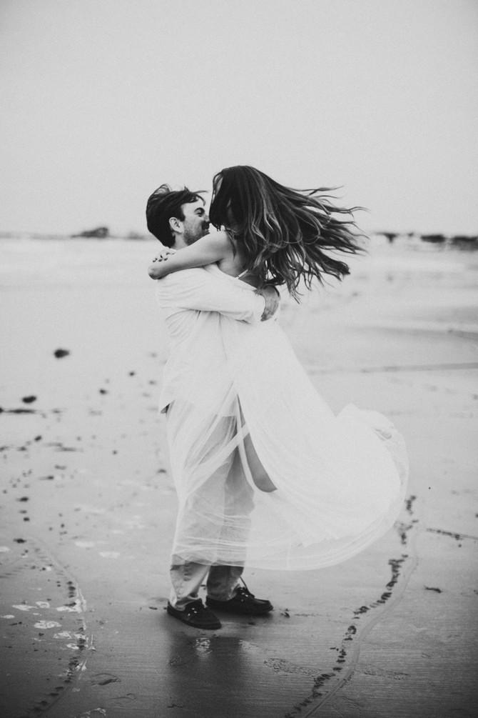 Nicole & Elliott's Beach Engagement