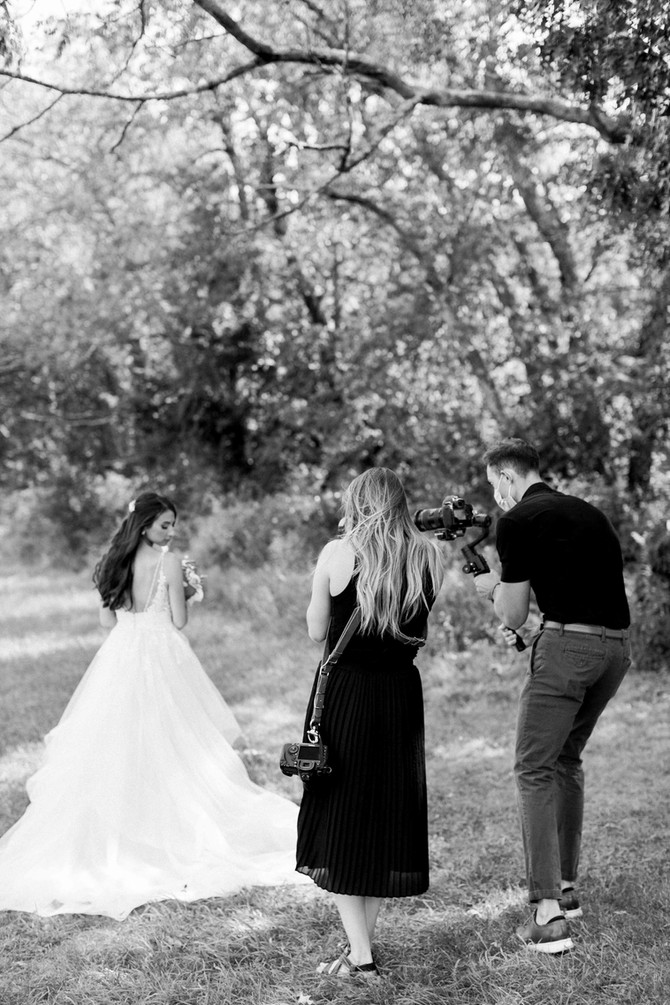 5 Things to Consider When Choosing Your Wedding Photographer & Videographer
