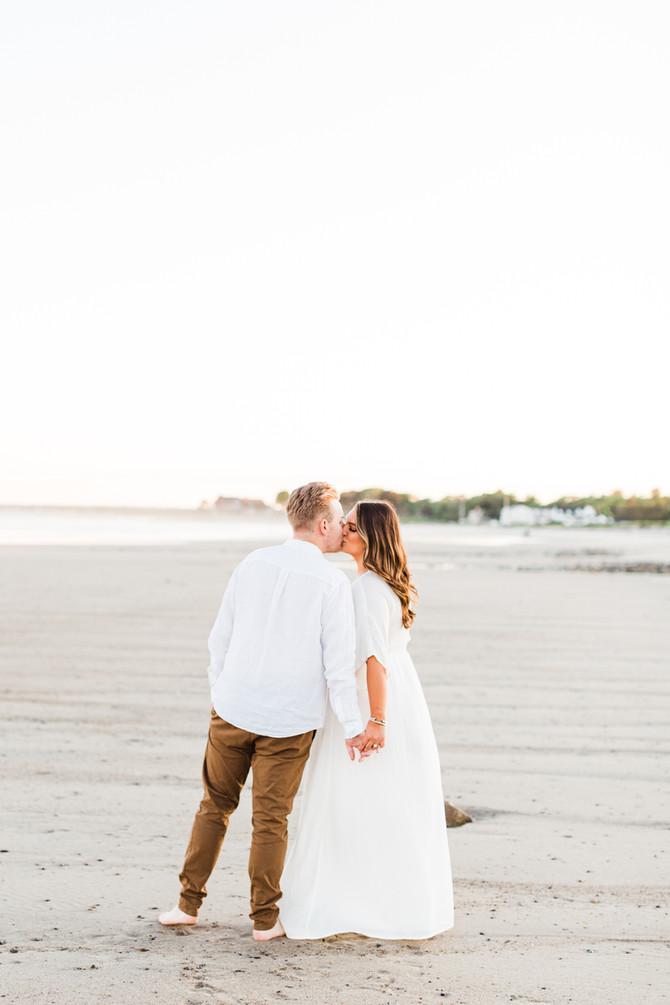 Amanda & Joe   Golden Kennebunkport Engagement