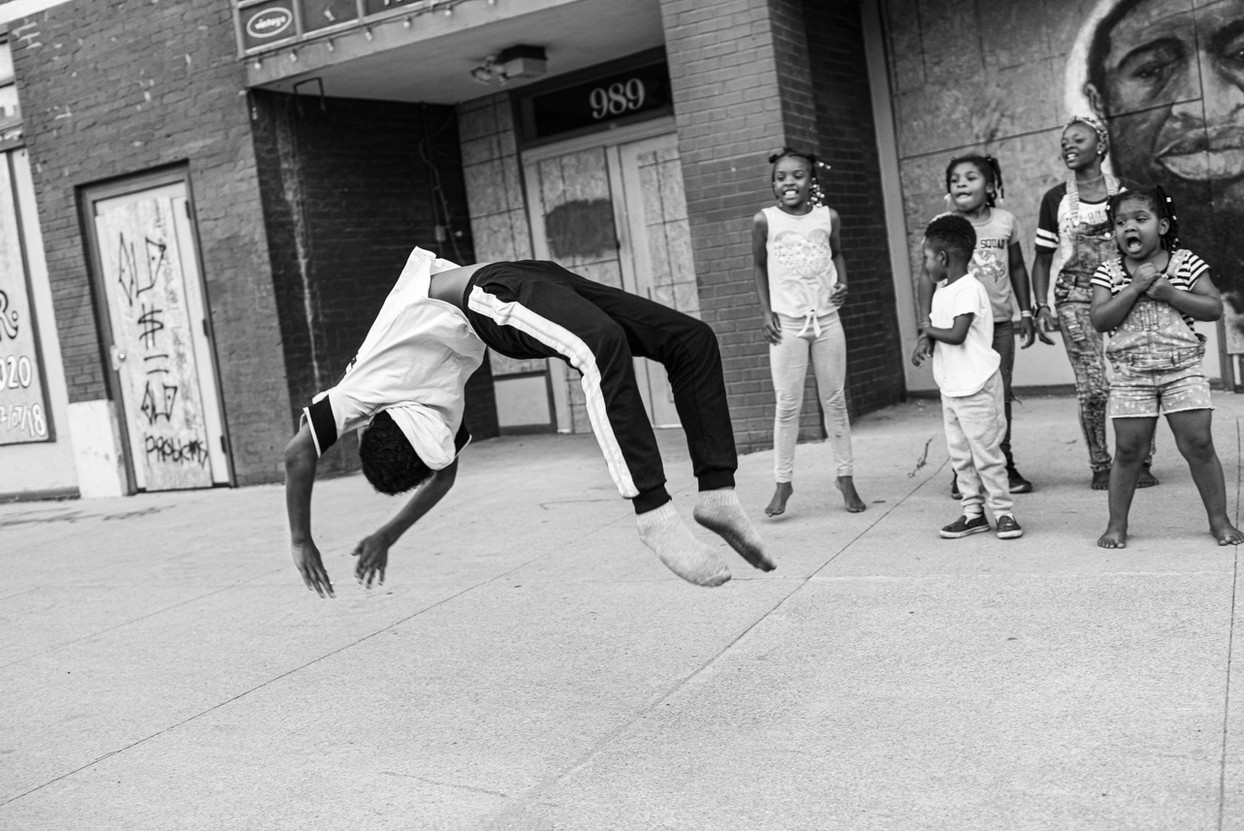 Shoeless Acrobatics on High Street, 2020